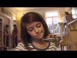 Война изменила жизнь девушки.,People,,Жизнь молодой девушки перевернулась в этом трагическом видео. Это - то, что война делает детям.