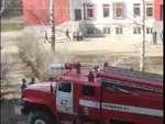 Российский МЧС приехать спасать кота,Animals,,How Russian Fire Fighters Rescue A Cat From A Tree