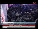 """Жестокие события на киевском майдане в ночь с 29 на 30 ноября 2013, кровь и штурм на Евромайдане,News,,Ранним утром, вооружившись дубинками и щитами как рыцари охранная свита власть имущих в лице кровавых псов """"БЕРКУТ"""" начала кровавый разгон мирного майдана в Киеве. По словам очевидцев и участников"""