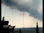 """Смерч Торнадо в Форосе 14 августа 2012,Education,Смерч,Торнадо,Форос,Чёрное,море,курорт,природное,шоу,Фирсов,ЮБК,Большая,Ялта,Форосу """"везёт"""" то шторм, то гроза. Море меняет температуру, когда хочет. А сегодня, наверное, как компенсацию за всё это, природа для нас устроила в море настоящее представле"""