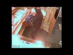 """Нападение на ювелирный салон Усть-Или́мск,News,,Розыск """"ГУ МВД России по Иркутской области"""" В третьем часу дня 14 февраля неизвестный гражданин, вооруженный предметом, похожим на обрез охотничьего ружья, ворвался в магазин и, разбив витрину, похитил золотые изделия. По данному факту возбуждено угол"""