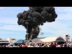 Крушение самолёта в мадриде Cuatro Vientos Vintage Jet Accident in Madrid,Animals,,5 мая на аэродроме Cuatro Vientos вблизи Мадрида самолет врезался в ангар с полицейскими вертолетами. После крушения произошел мощный взрыв, пилот оказался заперт в кабине. Пожарным удалось вытащить его живым, однако