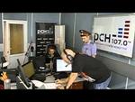"""Полиция вручила повестку Сергею Доренко в прямом эфире """"Русской службы новостей"""",News,,19 июня 2013. СЕРГЕЙ ДОРЕНКО: Что за мент стоит в студии? Что за мент стоит в студии? Здравствуйте. А? Включите второй микрофон. Что вы говорите? А почему вы? Вы в прямом эфире.   ПОЛИЦЕЙСКИЙ: Доброе утро.   С.ДОР"""