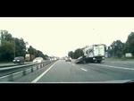 Frightened driver Напугал водителя,Autos,,Forgot to include the turn signals Забыл включить поворотники