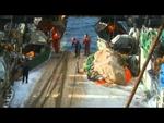 Мужская работа - Человек за бортом (рыбаки в северном море),People,,Russian sailor falls off a boat in Northern Sea Выборка трала в шторм